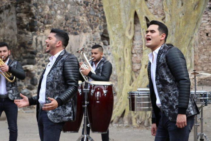 Banda Los Recoditos estrenan video.