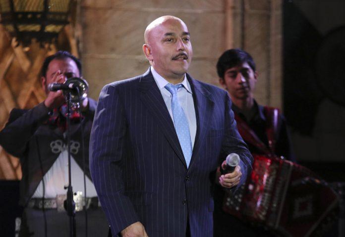 Los Rivera olvidan sus problemas para apoyar a Lupillo Rivera