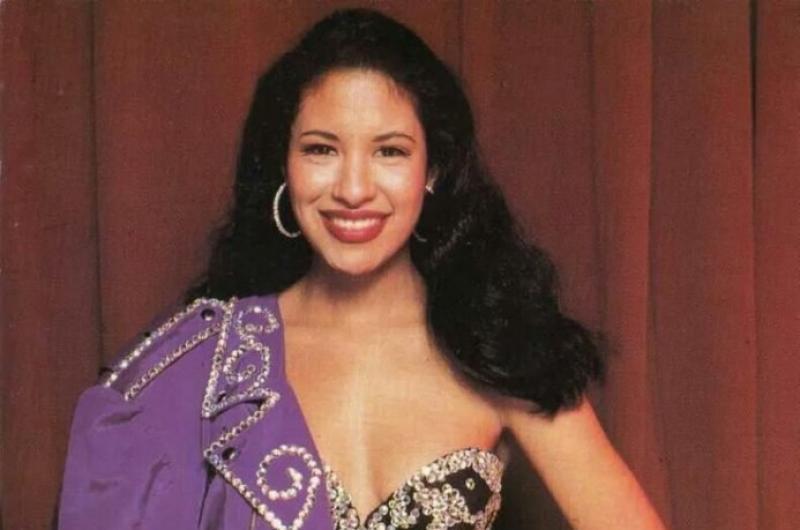 Revelan algunos secretos y fotografías de la vida privada de Selena