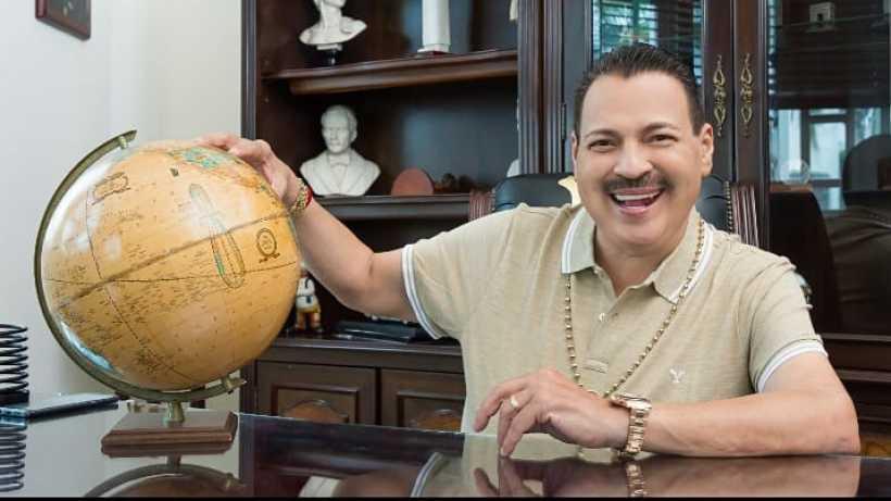 Desde el hospital, Julio Preciado celebra 52 años